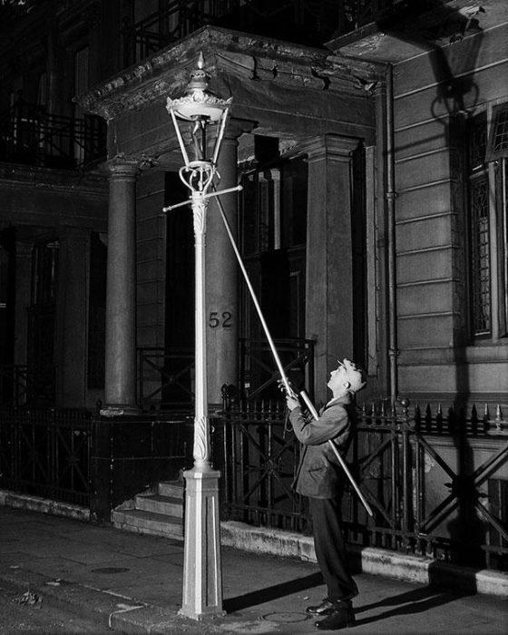 профессия которой уже нет - фонарщик