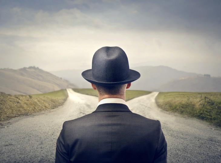 На развилке между Долгом и Обязанностью